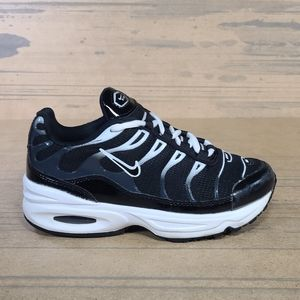 Nike Air Max Kids Athletic Sneakers